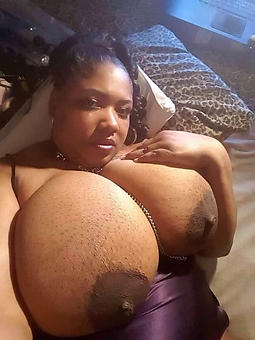 pretty black big tits pics
