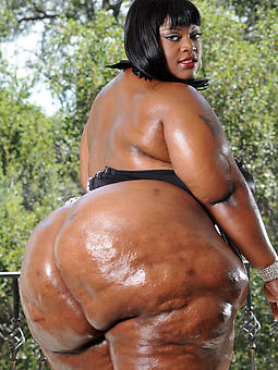 thick ebony booty strip