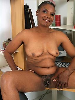 sweet nude black grannies