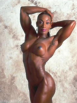 louring muscle pussy stripping