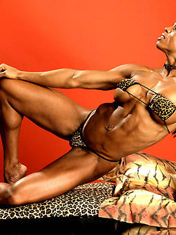 ebony female muscle sex pictures