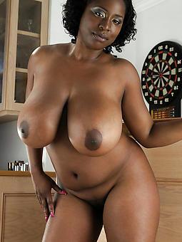 amoral naked ebony mom pics
