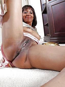 pretty ebony moms porn gallery