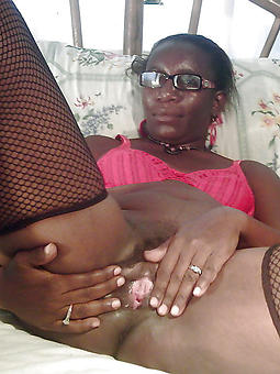 old lowering woman pussy free nude pics