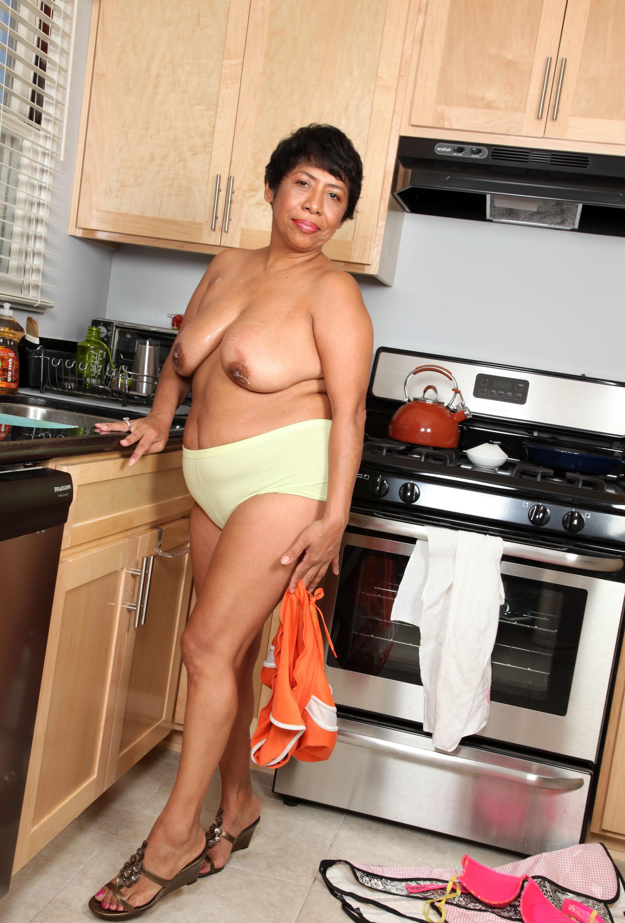 ebony granny pussy seduction