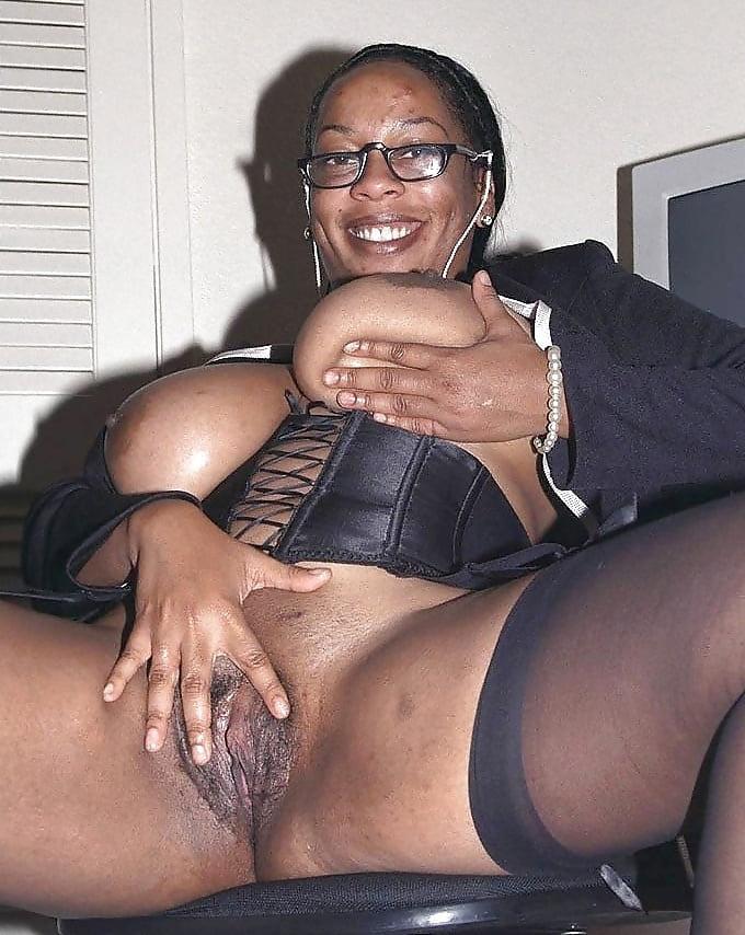 perfidious granny ass porn pic
