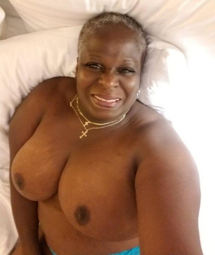 sexy black grannies free nude pics