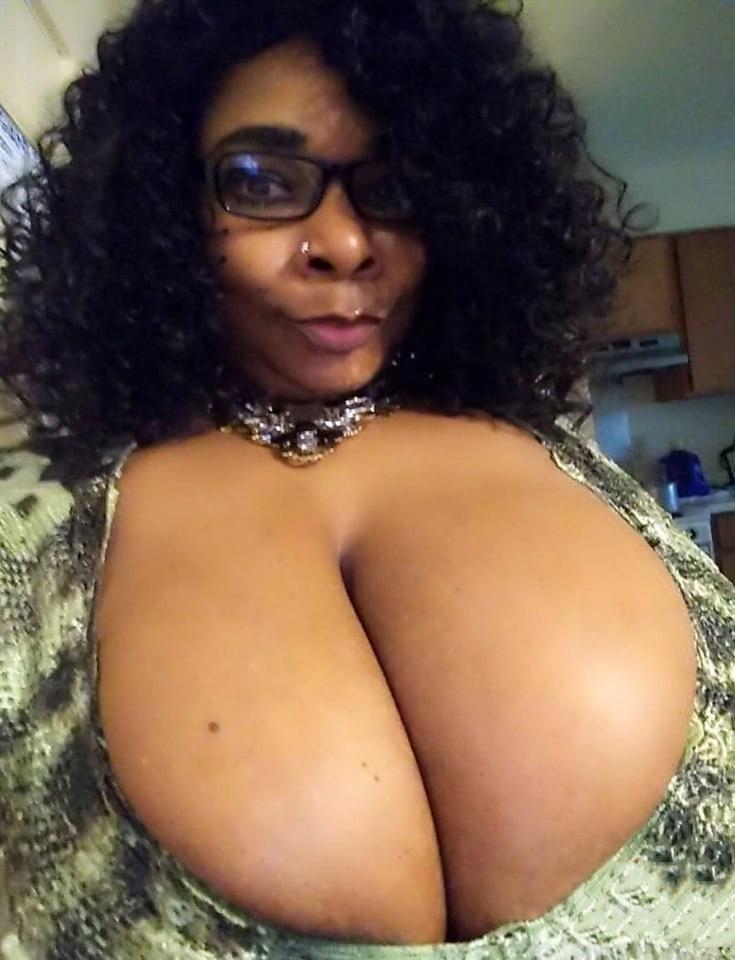 horny ebony mom amature milf pics